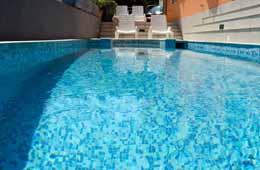 villa in trogir pool