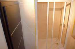 royal apartment bathroom 2