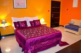 royal apartment bed 1
